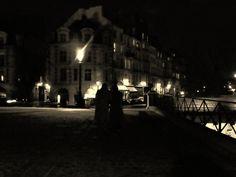 Photo de nuit à Paname de manouchette