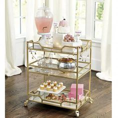 Use these convenient bar cart ideas in your apartment home. Over thirty bar cart ideas perfect for your apartment. Feed your design ideas now. Brass Bar Cart, Gold Bar Cart, Home Bar Decor, Bar Cart Decor, Diy Bar, Drink Cart, Beverage Cart, Outside Bars, Bar Cart Styling