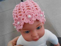 Adorable Crochet Rose Flower Hat is a gorgeous crochet accessory for summer days for your lovely baby girl. Fingerless Gloves Crochet Pattern, Crochet Baby Hat Patterns, Crochet Baby Clothes, Newborn Crochet, Crochet Baby Hats, Crochet Motif, Crochet Flower, Diy Crafts Knitting, Diy Crafts Crochet