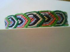 How to make a leaves friendship bracelet