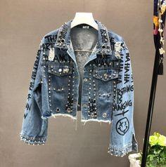 2019 New Autumn Beading Diamond Graffiti Printed Short Denim Coat Pockets Casual Women Cowboy Jeans Outerwear Cropped Denim Jacket, Denim Coat, Jacket Jeans, Studded Denim Jacket, Jeans Denim, Trend Fashion, Denim Fashion, Fashion Shirts, Fashion 2018