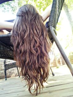 Straight-ish/Wavy Long Hair with Tons of Layers