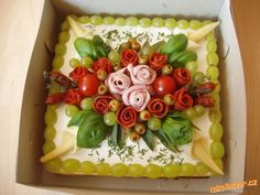Food Carving, Food Platters, Food Art, Holiday Recipes, Sushi, Buffet, Fruit, Cake, Desserts