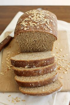 whole wheat honey oatmeal bread by girlversusdough - Homemade bread is a lot of work but it's worth it for yummy and healthy bread like this. Bread Machine Recipes, Bread Recipes, Baking Recipes, Yeast Bread, Bread Baking, Tortillas, Pan Rapido, Biscuits, Oatmeal Bread