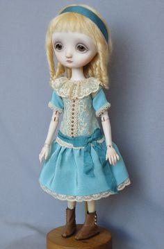 Emily - Porcelain ball jointed doll BJD