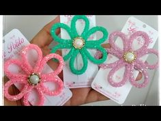 Felt Flowers, Fabric Flowers, Pom Pom Crafts, Bow Tutorial, Bag Patterns To Sew, Diy Hair Accessories, How To Make Bows, Handmade Flowers, Ribbon Bows