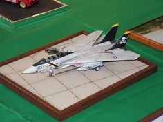 F-14 Tomcat - 1:72 Historia Sion 2009 F-14 Tomcat, Scale Models, Fighter Jets, Aircraft, Historia, Aviation, Scale Model, Planes, Airplane