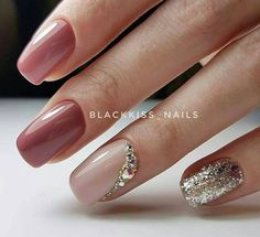 Nude and silver glitter manicure - LadyStyle