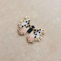 Loom Bracelet Patterns, Bead Loom Bracelets, Peyote Patterns, Beading Patterns, Beaded Earrings Native, Beaded Brooch, Native Beadwork, Seed Bead Jewelry, Beaded Jewelry