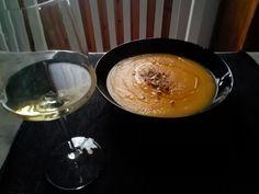 Vellutata di zucca gialla con semi tostati. Vino Chardonnay-Ribolla Gialla