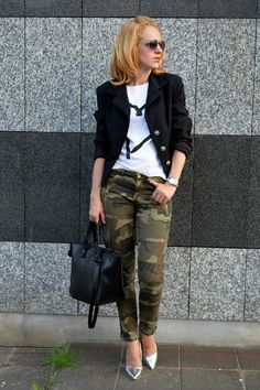 street style camo jeans with military blazer and metallic silver pointed heels