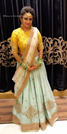Get yourself dressed up with the latest lehenga designs online. Explore the collection that HappyShappy have. Select your favourite from the wide range of lehenga designs Choli Designs, Lehenga Designs, Blouse Designs, Indian Skirt, Indian Dresses, Indian Outfits, Indian Attire, Indian Wear, Lehenga Choli