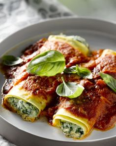 Canneloni with spinach and ricotta - Pureed Food Recipes, Veggie Recipes, Pasta Recipes, Cooking Recipes, Healthy Recipes, Cannelloni Ricotta, Food Inspiration, Italian Recipes, Love Food