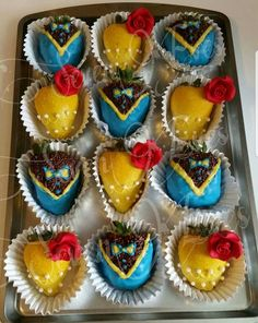 Beauty and The Beast inspired chocolate strawberries made by SevenEves Beauty And The Beast Cake Birthdays, Beauty And Beast Birthday, Beauty And The Beast Theme, Beauty And Beast Wedding, Disney Beauty And The Beast, Chocolate Covered Strawberries, Chocolate Dipped, Strawberry Dip, Strawberry Ideas