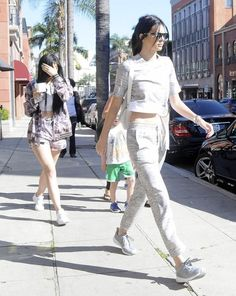 Kendall and Kylie Jenner Photos - Kylie and Kendall Jenner Stop For Greek Yogurt - Zimbio
