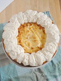 Carrot Cake Swirled Cheesecake from Frugal Foodie Mama #carrotcake #cheesecake #Easterdessert