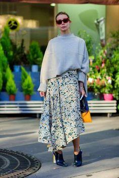 Des fleurs sur une jupe asymétrique - Jonathan Paciullo/Frenchystyle