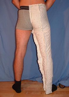 Making 15th century breeches ; Otherwise... A pair of joined-hose