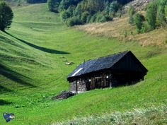 Romania - Sirnea (Old house) Romania, Cabin, House Styles, Home Decor, Decoration Home, Room Decor, Cabins, Cottage, Home Interior Design