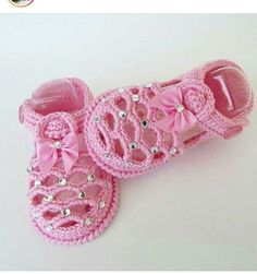 17 Ideas crochet flowers flat baby shoes Source by boosheebaby Shoes Crochet Baby Boots, Crochet Baby Sandals, Knitted Booties, Baby Girl Crochet, Crochet Shoes, Crochet Slippers, Baby Booties, Baby Shoes Pattern, Shoe Pattern