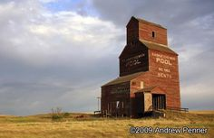 Stock Photo : Old Grain Elevator on the Great Plains in Saskatchewan O Canada, Canada Travel, Color Photography, Landscape Photography, Canadian National Railway, Grain Silo, Old Abandoned Buildings, Wooden Barn, Great Plains