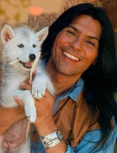 Duane Loken (Actor) - Comanche I don't know who you are. Native American Actors, Native American Wisdom, Native American Pictures, Native American Beauty, Native American History, American Indians, Indian Man, Native Indian, Xingu