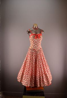 1940s red and white sundress 40s garden party dress Size small medium polka dot full skirt