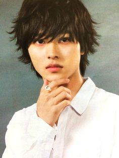 "[Trailer] https://www.youtube.com/watch?v=5oWxI1C2dj8 Kento Yamazaki x Masataka Kubota, New showdown (Light vs L vs N) and new ending, J drama series ""Death Note"", starts on Jul. 5.     [Article (Eng.)] http://yama-kento-ph.livejournal.com/21906.html           [Story & characters, Eng.]  http://aramajapan.com/news/tvmovie/dramas/death-note-drama-casts-misa-lights-father-and-more/19213/"