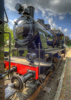 At Haaksbergen they have a steamtrain museum where they still operate the trains on a short run to Boekelo. Took three shots and worked them out with Photomatix (HDR and Tonemapping). Pet Dogs, Dog Cat, Pets, Munchkin Cat, Cat Drinking, Old Trains, Steam Locomotive, Around The Worlds, Museum