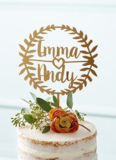 Finish off your wedding cake with a personalised laurel topper worthy of Caeser himself. This look is perfect for a contemporary rustic wedding.