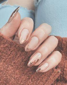 Neutral Nail Designs, Neutral Nails, Nail Art Designs, Fancy Nails, Pretty Nails, Color Changing Nails, Fire Nails, Fall Nail Art, Minimalist Nails