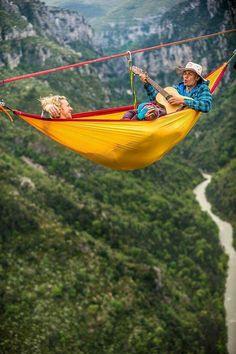 hammock camping...dude how incredible!