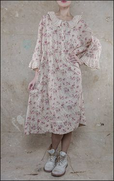 Dresses & Aprons | Product Categories | Magnolia Pearl Line Sheet | Page 6