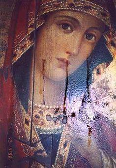 Theotokas weeping miraculous oil