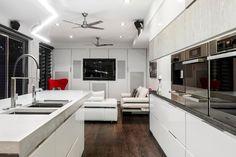 Foto de cocina con sala