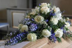Coffin spray with summer flowers - Pion Blomsterateljé