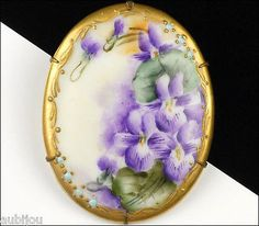 VINTAGE PORCELAIN HANDPAINTED FLORAL PURPLE VIOLET VIOLA PANSY FLOWER BROOCH PIN,1920-1940