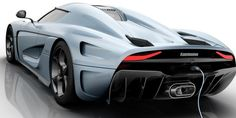 Heckansicht des Koenigsegg Regera Sportwagens.