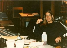 Anthony Kiedis Young, Anthony Keidis, John Frusciante, Hottest Chili Pepper, Cool Bands, Stuffed Peppers, Red, Chilis, Blood Sugar