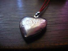 Un #collar de #corazón de Griselda, le tomé foto un día que fui a visitarla a su casa.