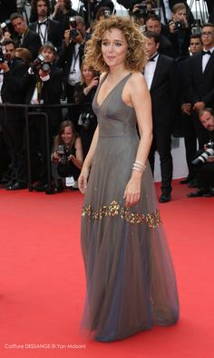 Valeria Golino #dessange #cannes2015 #coiffeurofficiel Star Francaise, Cannes 2015, Palais Des Festivals, Formal Dresses, Fashion, Cannes Film Festival, Hairstyle, Dresses For Formal, Moda
