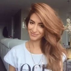 Chic Medium Length Layered Haircuts For A Trendy Look Hair Tutorials For Medium Hair, Medium Hair Styles, Curly Hair Styles, Hair Medium, Medium Length Hair Cuts With Layers, Medium Hair With Layers, Hair Layers, Hair Upstyles, Cute Hairstyles