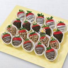 Our rich chocolate dipped fruit assortment offers a variety of fruits and chocolates to satisfy any sweet tooth. Get your sugar fix from Edible Arrangements®. Coconut Hot Chocolate, Chocolate Dipped Strawberries, Chocolate Covered Strawberries, Homemade Chocolate, Melting Chocolate, Chocolate Recipes, Blackberry Syrup, Fruit Gifts, Strawberry Dip