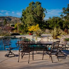 With the Vallarta expandable cast aluminum dining set, you have ample space to entertain all of your guests outside. Should you need even more space, the center of the table allows you to expand even further.