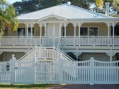 a Queenslander house. Exterior Color Schemes, Exterior Paint Colors, Exterior House Colors, Exterior Design, Cottage Exterior, Colour Schemes, Australian Architecture, Australian Homes, Front Stairs
