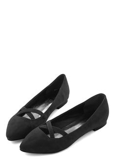 Style Pointers Flat in Black. As the go-to fashion maven of your group, you flaunt these pointy black flats to demonstrate the definition of stylish simplicity. #black #modcloth