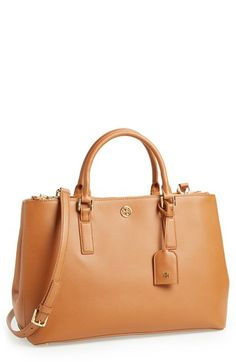 Free shipping and returns on Tory Burch 'Robinson' Double Zip Tote at Nordstrom.com. A structured Saffiano leather tote makes for a flawless street style, while goldtone hardware and a polished logo medallion effortlessly elevate the look.
