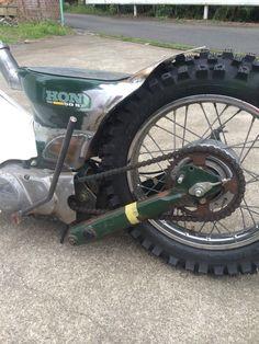 Maru1 Motorcycle Motorcycle Wheels, Chopper Motorcycle, Bobber Chopper, Moto Bike, Motorcycle Art, Custom Moped, Custom Bikes, Yamaha Rx100, Bike Lift