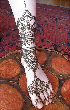 Arabic Mehndi INCREDIBLE ankle and leg henna More