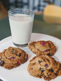 Plant Based Recipes, My Recipes, Whole Food Recipes, Vegan Recipes, Chocolate Brands, Vegan Chocolate, M M Cookies, Cookies Vegan, Chocolate Covered Peanuts